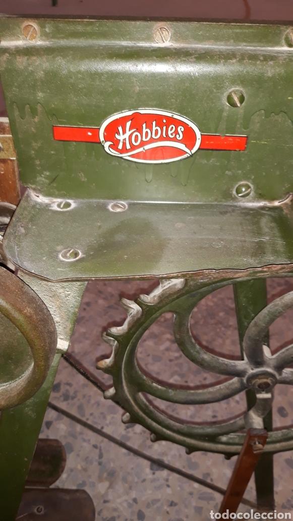 Antigüedades: Antigua caladora mecanica de pedal The GEM hobbies - Foto 5 - 175115405