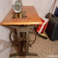 Antigüedades: MAQUINA DE COSER ALFA CON PEDAL. Lote 175133962