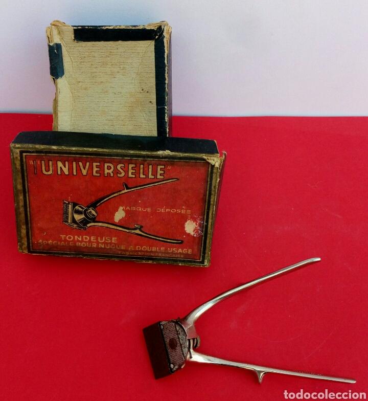 Antigüedades: Antigua maquinilla de afeitar marca Universelle. En su caja original - Foto 2 - 175149489