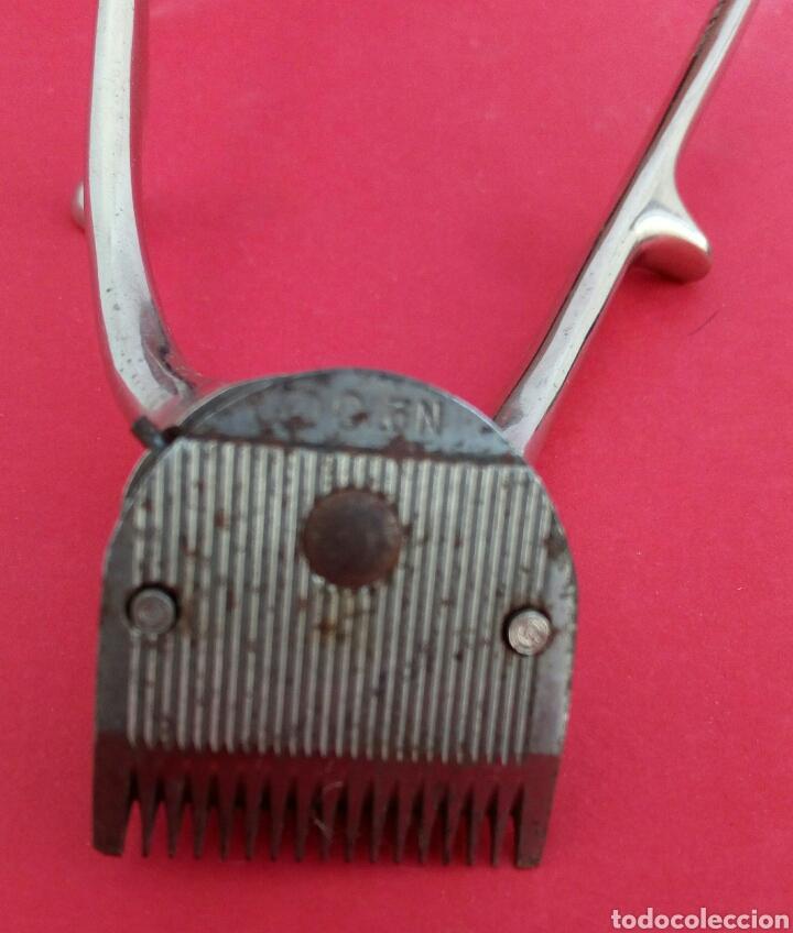 Antigüedades: Antigua maquinilla de afeitar marca Universelle. En su caja original - Foto 4 - 175149489