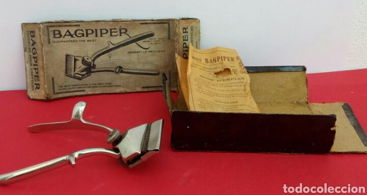 Antigüedades: Antigua maquinilla de afeitar marca Bagpiper. En su caja original - Foto 2 - 175149814