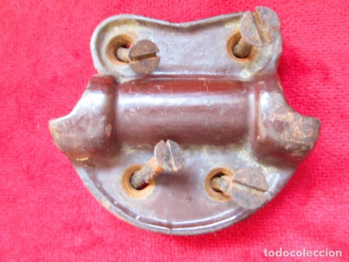 Antigüedades: 2 TIRADORES DE HIERRO FUNDIDO PARA BAUL - MU 90 - Foto 10 - 175180940