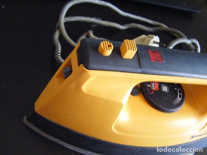 Antigüedades: JML PLANCHA ELECTRICA MAGEFESA MOD 232 1000W 120VOLTIOS. RARA VER FOTOS. - Foto 2 - 175261878