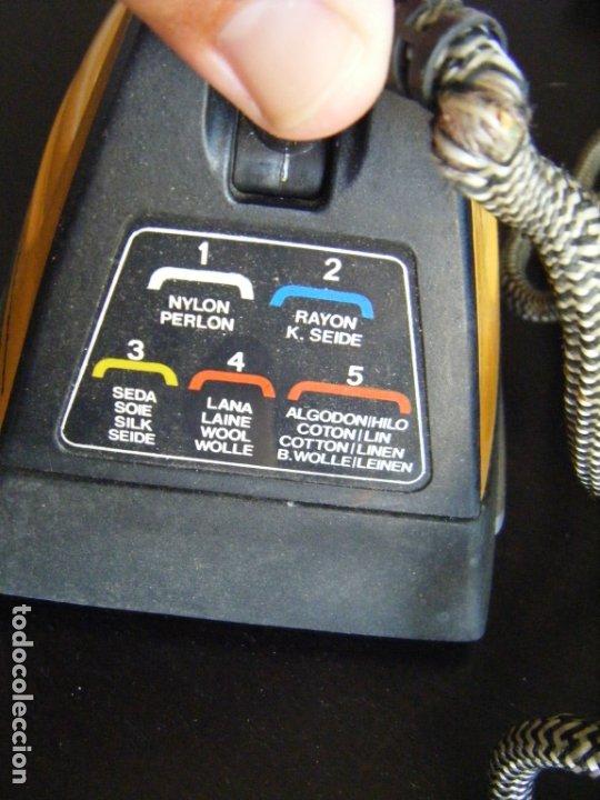Antigüedades: JML PLANCHA ELECTRICA MAGEFESA MOD 232 1000W 120VOLTIOS. RARA VER FOTOS. - Foto 5 - 175261878