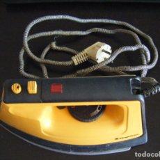 Antigüedades: JML PLANCHA ELECTRICA MAGEFESA MOD 232 1000W 120VOLTIOS. RARA VER FOTOS.. Lote 175261878