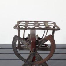 Antigüedades: ANTIGUO PESACARTAS DE ESTILO MODERNISTA. Lote 175325583