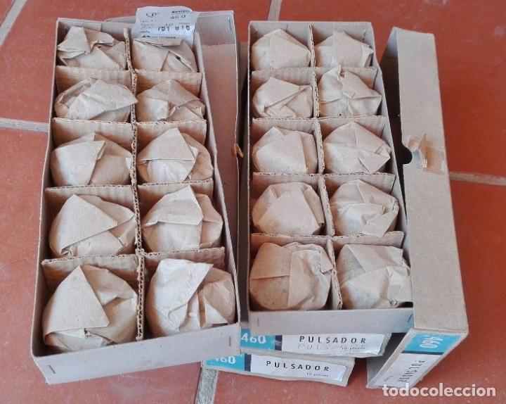 Antigüedades: Plastimetal 60 pulsadores pulsador año 1967 ref. 460 nuevos ( o cajas individuales a 10 euros ) - Foto 2 - 175327040