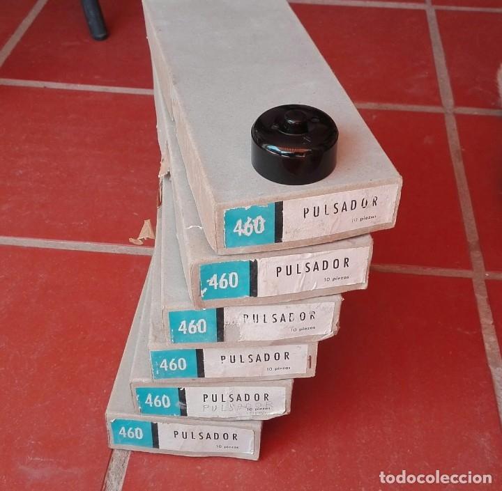 Antigüedades: Plastimetal 60 pulsadores pulsador año 1967 ref. 460 nuevos ( o cajas individuales a 10 euros ) - Foto 7 - 175327040