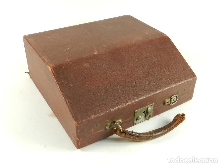 Antigüedades: MAQUINA DE ESCRIBIR ERIKA ROJA Mod. 5 AÑO 1931 TYPEWRITER SCHREIBMASCHINE - Foto 8 - 175327550