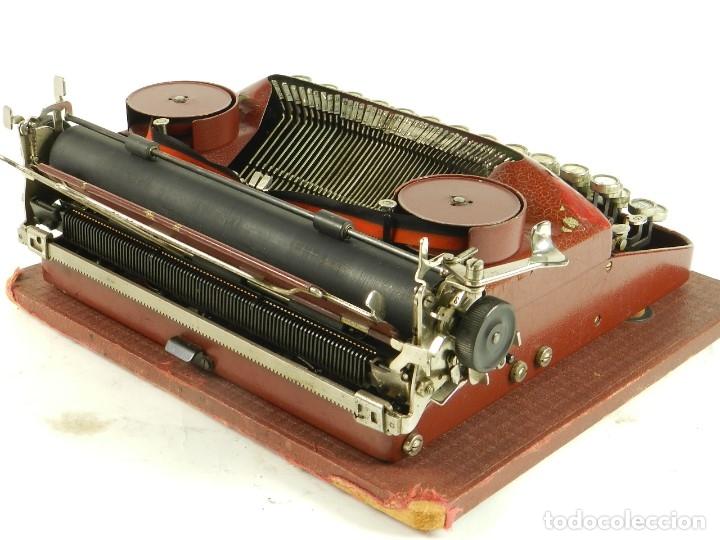 Antigüedades: MAQUINA DE ESCRIBIR ERIKA ROJA Mod. 5 AÑO 1931 TYPEWRITER SCHREIBMASCHINE - Foto 9 - 175327550