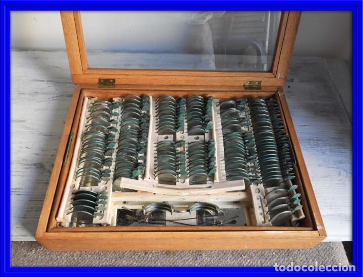 CAJA ANTIGUA CON LENTES DE OPTICA PARA REGULAR LA VISION (Antigüedades - Técnicas - Otros Instrumentos Ópticos Antiguos)
