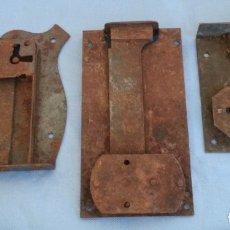 Antigüedades: CERRADURAS. PIEZAS ANTIGUAS. TRES UNIDADES. Lote 175505697