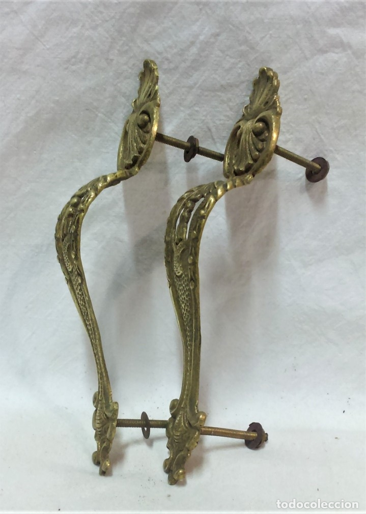 Antigüedades: LOTE 2 ANTIGUOS TIRADORES BRONCE PARA PUERTAS ARMARIO,ETC. VER DESCRIPCIÓN. - Foto 2 - 175558043
