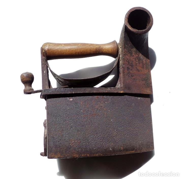 PLANCHA DE CARBÓN CHIMENEA. UNIÓN CERRAJERA MONDRAGÓN. (Antigüedades - Técnicas - Planchas Antiguas - Carbón)