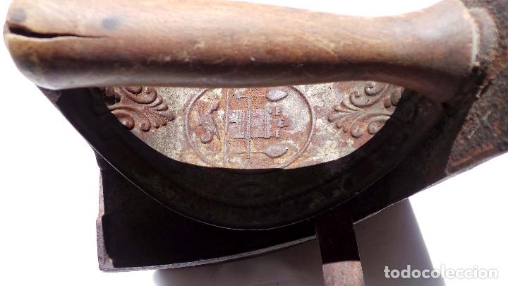 Antigüedades: PLANCHA DE CARBÓN CHIMENEA. UNIÓN CERRAJERA MONDRAGÓN. - Foto 12 - 175609278