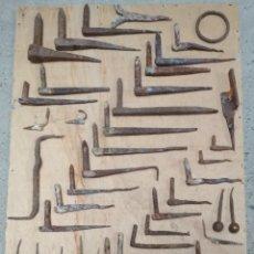 Antigüedades: LOTE 57 HIERROS FORJA.CLAVOS Y OTROS. VER FOTOS. Lote 175668234