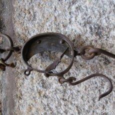 Antigüedades: ANTIGUA BASCULA ROMANA BALANZA DE MEDIA LUNA - APROX 1920 OPERATIVA, DOS ESCALAS + INFO. Lote 175701520