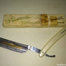 Antigüedades: NAVAJA DE AFEITAR FILARMÓNICA JOSÉ MONSERRAT POU 14. Lote 175740614