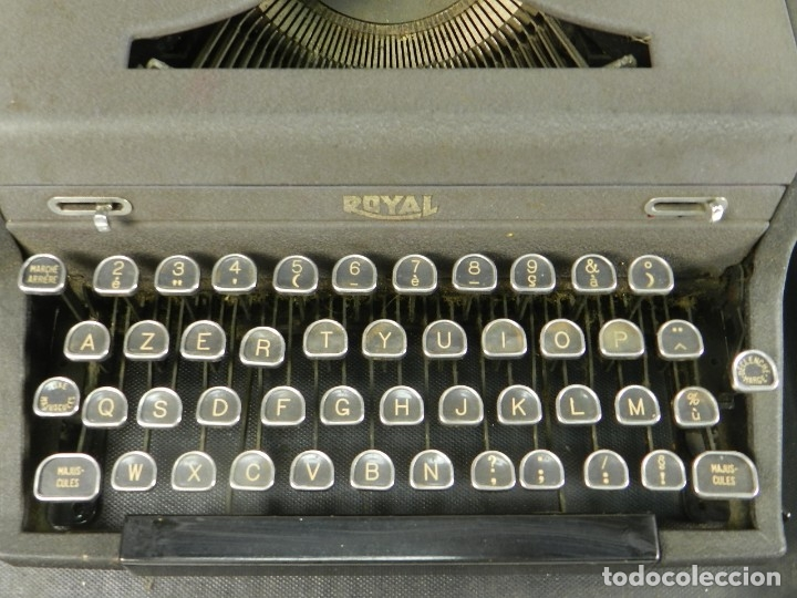 Antigüedades: MAQUINA DE ESCRIBIR ROYAL AÑO 1945 TYPEWRITER SCHREIBSMASCHINE - Foto 2 - 175842873