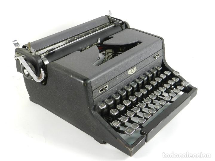 Antigüedades: MAQUINA DE ESCRIBIR ROYAL ARROW AÑO 1942 TYPEWRITER SCHREIBSMASCHINE - Foto 3 - 175843037