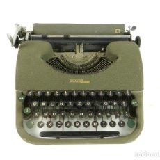 Antigüedades: MAQUINA DE ESCRIBIR SWISSA PICCOLA AÑO 1950 SCHREIBSMASCHINE. Lote 175843558