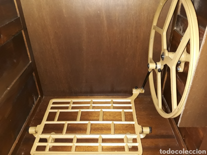 Antigüedades: maquina de coser Alfa con mueble castellano - Foto 8 - 111448103