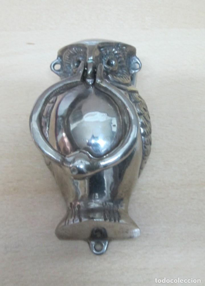 Antigüedades: Llamador con forma de búho en alpaca. Mide 15cm x 8cm - Foto 2 - 175947619