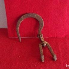 Antigüedades: ANTIGUO GANCHO ROMANA,GRANDE,FORJA,HIERRO. Lote 175972518