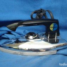 Antigüedades: ANTIGUA PLANCHA DE VIAJE ELECTRICA MARCA MARCONI AEROMATIC. Lote 269307028