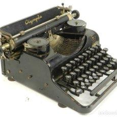 Antigüedades: MAQUINA DE ESCRIBIR OLYMPIA FILIA B AÑO 1938 TYPEWRITER SCHREIBSMASCHINE. Lote 175977084