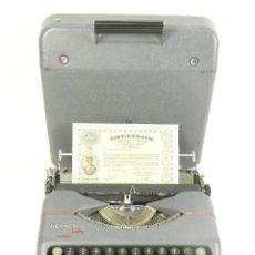 Antigüedades: MAQUINA DE ESCRIBIR HERMES BABY AÑO 1942 TYPEWRITER SCHREIBSMASCHINE. Lote 175977309
