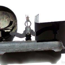 Antigüedades: BALANZA 10KG.- 60 LARGO X 23 ALTO CM. Lote 175994357