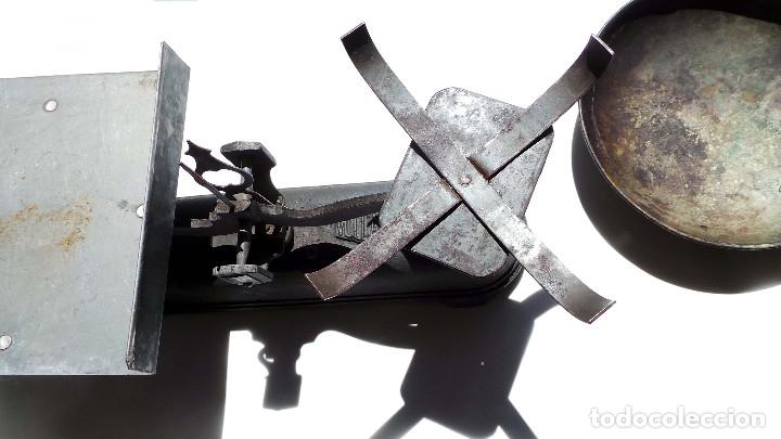 Antigüedades: BALANZA 10KG.- 60 LARGO X 23 ALTO CM - Foto 4 - 175994357