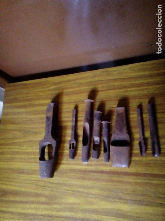 Antigüedades: Lote de 8 sacabocados antiguos. - Foto 3 - 176131862