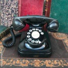 Teléfonos: ANTIGUO TELÉFONO ESPAÑOL DE BAQUELITA 5523E, STANDARD ELÉCTRICA, PARA LA CTNE. Lote 176223638