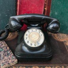 Teléfonos: ANTIGUO TELÉFONO ESPAÑOL DE BAQUELITA 5523E, STANDARD ELÉCTRICA, PARA LA CTNE. Lote 176223683