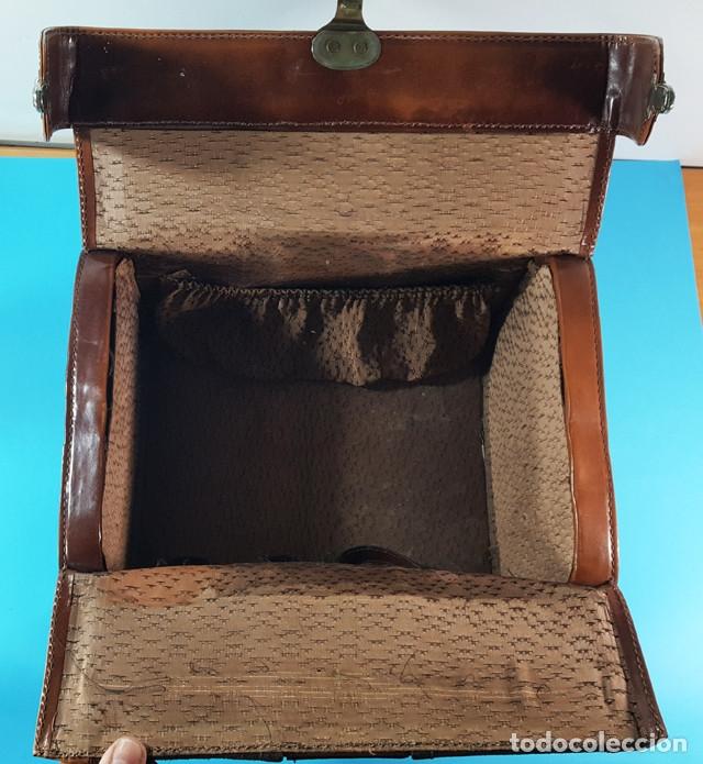 Antigüedades: ANTIGUO MALETIN O BOLSA DE MEDICO DE PIEL Y ANTE 31,50 X 23 X 22 CM, BOTIQUIN, MUY RARO - Foto 6 - 176239153