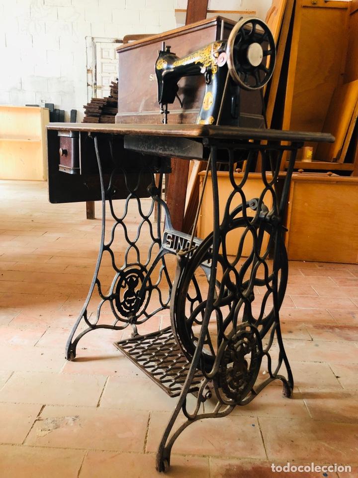 Antigüedades: Singer máquina coser - Foto 3 - 176273277