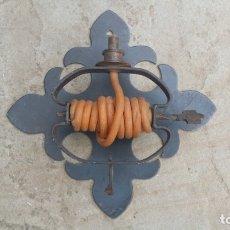 Antigüedades: CANDELABRO FORJA.. Lote 176332162