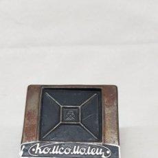 Antigüedades: POSIBLE ACCESORIO DE CÁMARA FOTOGRÁFICA. Lote 176449909