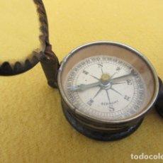 Antigüedades: BRÚJULA CON BINOCULARES Y ESPEJO DE SEÑALES - ALEMANIA - WWI. Lote 176460689