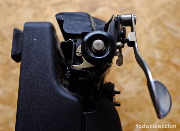 Antigüedades: Máquina de escribir Remington Rand Deluxe Model 5 - Foto 9 - 176539192