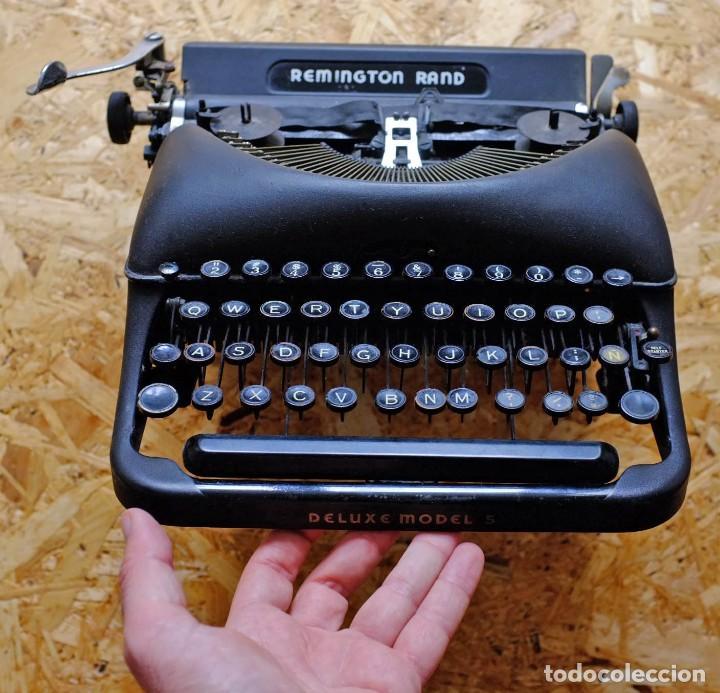 MÁQUINA DE ESCRIBIR REMINGTON RAND DELUXE MODEL 5 (Antigüedades - Técnicas - Máquinas de Escribir Antiguas - Remington)