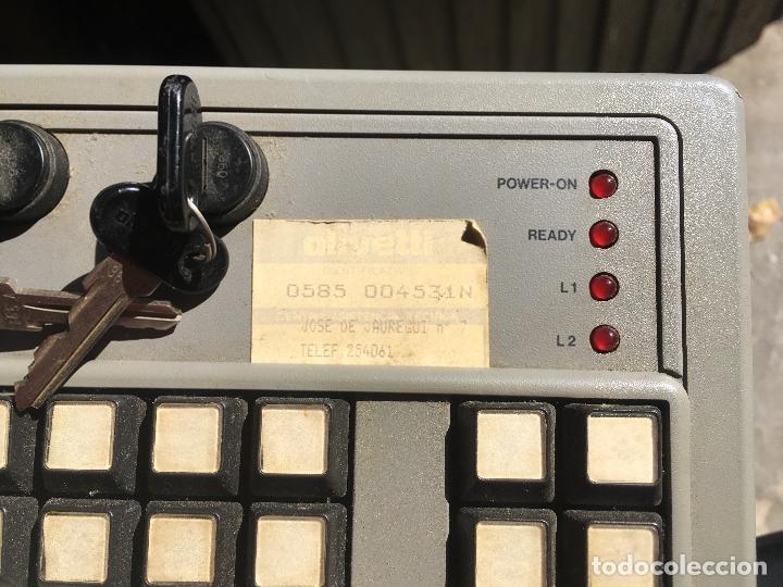 Antigüedades: ORDENADOR PC OLIVETTI L1 M30 DP CON IMPRESORA, MONITOR Y TECLADO CON LLAVES. PERSONAL COMPUTER 1983 - Foto 3 - 176543988