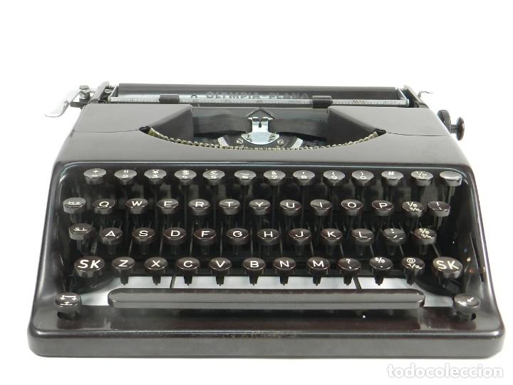 MAQUINA DE ESCRIBIR OLYMPIA PLANA AÑO 1940 TYPEWRITER SCRHEIBMASCNINE (Antigüedades - Técnicas - Máquinas de Escribir Antiguas - Otras)