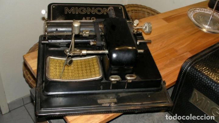 ANTIGUA PRECIOSA MAQUINA ESCRIBIR AEG MIGNON Nº 3 CAJA HOJALATA PRECIOSA MUSEO MUY BUEN ESTADO (Antigüedades - Técnicas - Máquinas de Escribir Antiguas - Mignon)