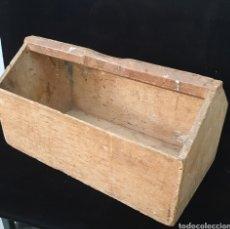 Antigüedades: CAJA DE HERRAMIENTAS. Lote 176828132