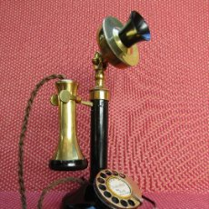 Teléfonos: TELEFONO VINTAGE, TIPO CANDELABRO DE ORIGEN INGLES. SOBRE LOS AÑOS 70 DEL SIGLO PASADO.. Lote 176726394