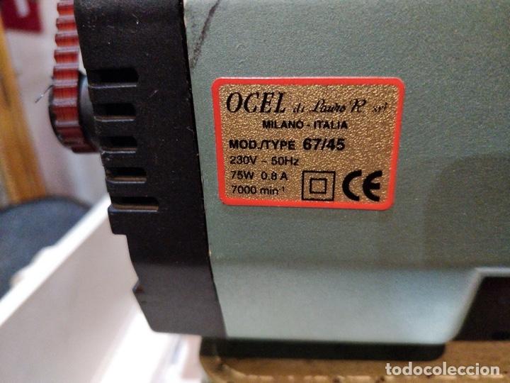 Antigüedades: Máquina de coser eléctrica WERTHEIM - Maquiborda - con funda rígida de transporte - Foto 6 - 217189437