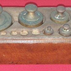 Antigüedades: JUEGO DE PESAS. Lote 176882810